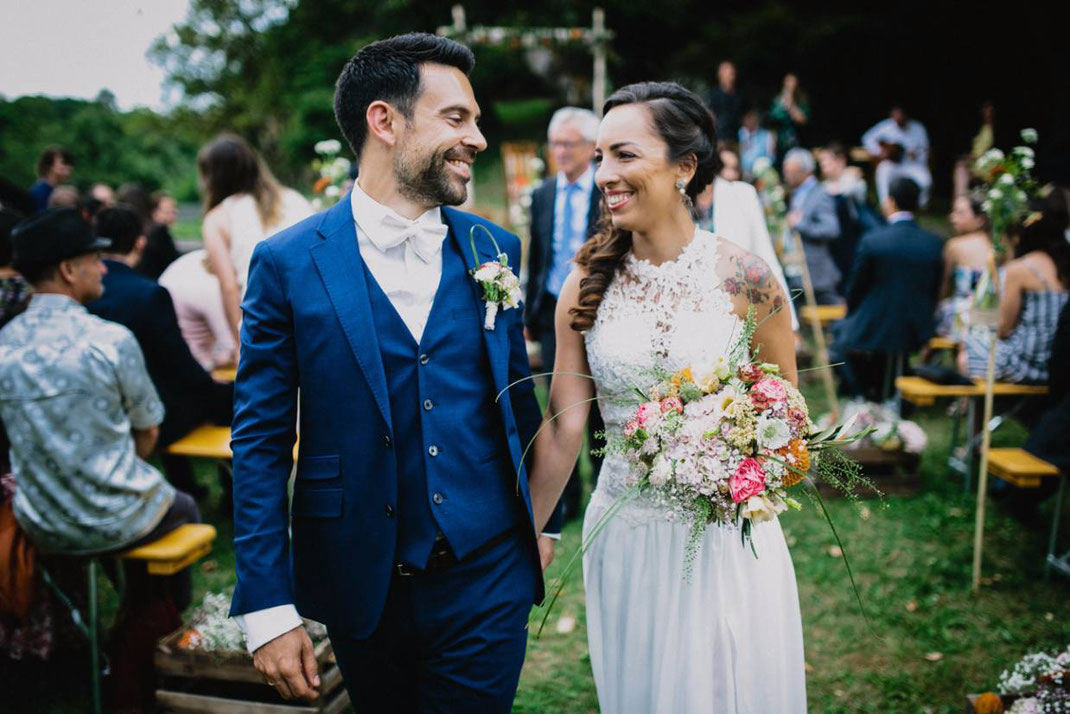 Bilinguale freie Trauung mit Hochzeitsrednern von Strauß & Fliege